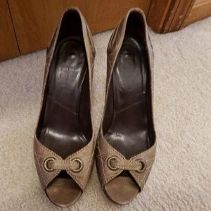 Christian Dior Designer Peep toe Pumps